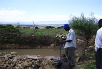 Kenyan farmers with the Approtec Money Maker water pump